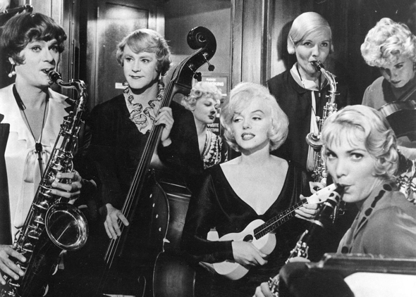 Tony Curtis Jack Lemmon Marilyn Monroe all-girl band rehearsal scene Billy Wilder movie Some Like It Hot